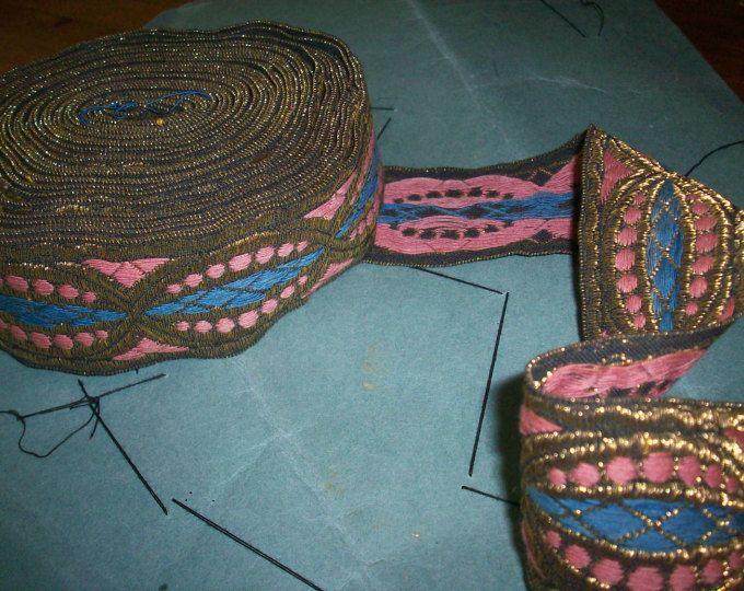 mobili antichi francesi in metallo finitura rosa, blu, oro