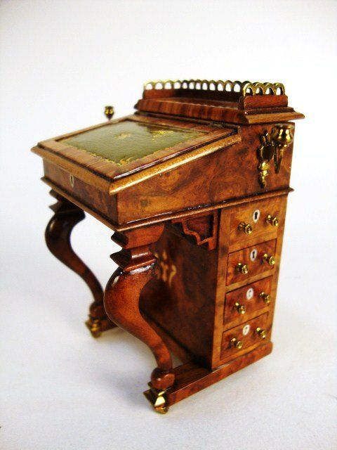 John Davenportu0027s Burlwood Desk With Satinwood And Ivory Inlays 1989