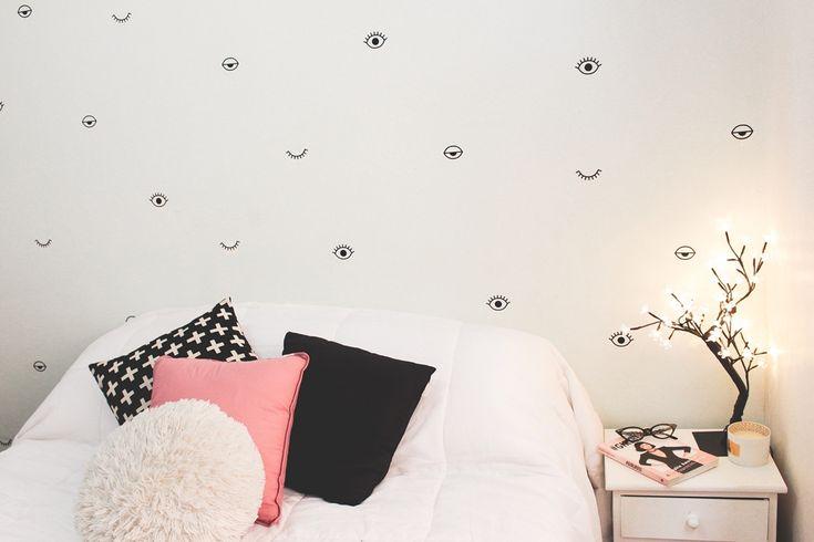 Decoração nova no quarto: adesivos de parede (clique e veja mais fotos do antes e depois)