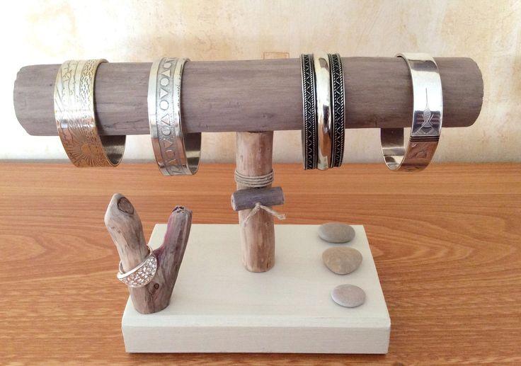 Porte-bracelets en bois flotté par l'Atelier de Corinne