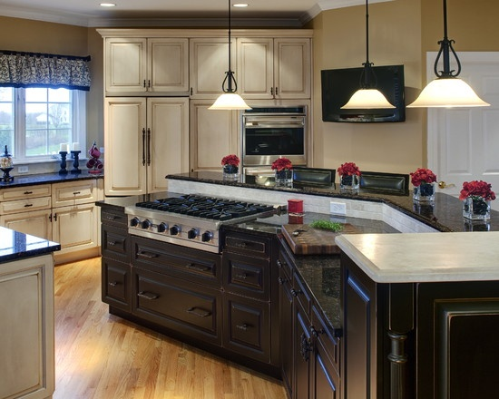 traditional spaces cooktop in the kitchen island design
