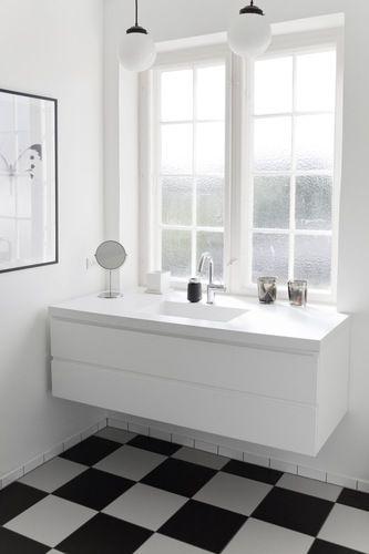 Via Bobedre   Bathroom   Checkered Floor   Black and White