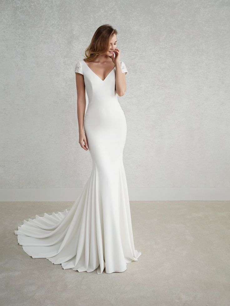 Pronovias The White One: Fez
