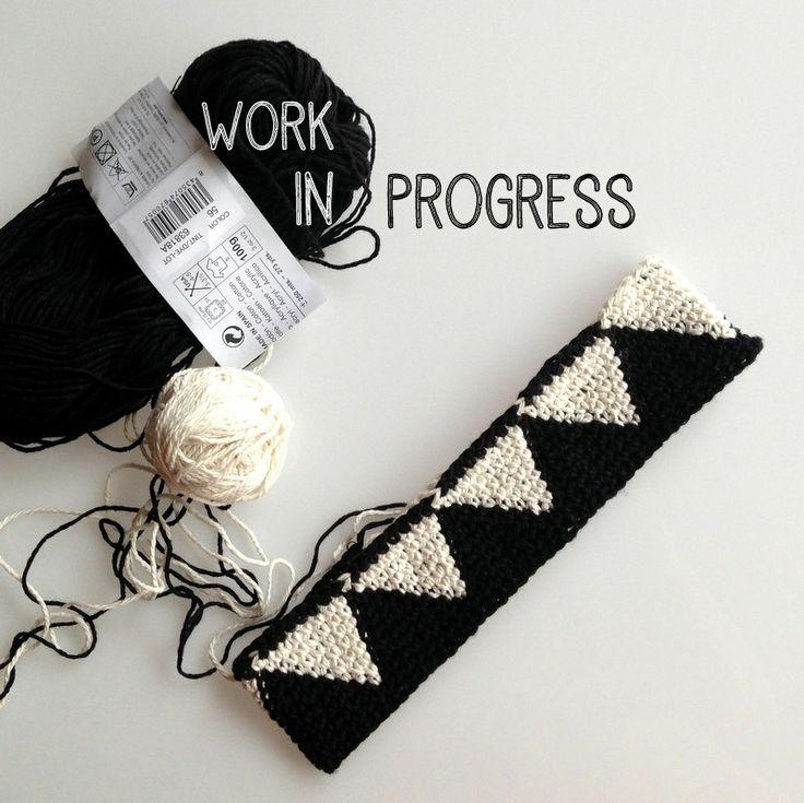 Geometría en blanco  y negro #tapestry #crochet