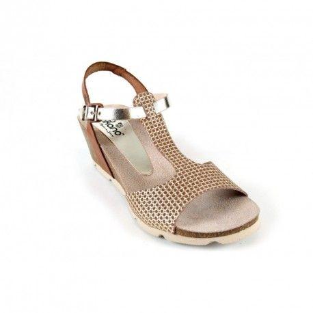 #Sandalias de mujer de la marca @Yokono por 44,9€ (descubre nuestro cupon descuento por 5€) en color cuero y oro, tira en T y cierre de hebilla para una mayor sujeción, planta bio natural y cuña de 5,5 cm con plataforma de 1 cm. Hecho en España  http://www.fitsfeet.com/zapatos-de-mujer/1825-sandalias-yokono-cadiz070-cuero.html