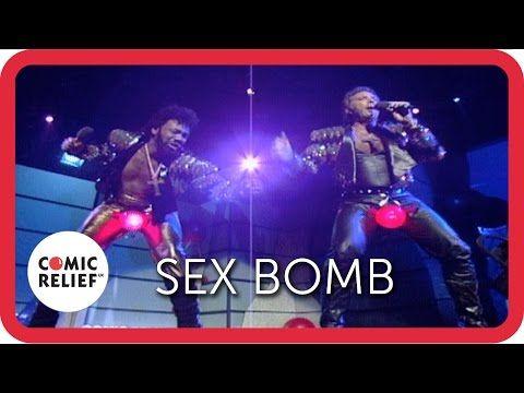 Tom Jones & Lenny Henry drop the Sex Bomb - YouTube