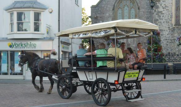 Tenby Carriage Rides https://whatsonadvisor.com/event/10000397 #whatsonadvisor