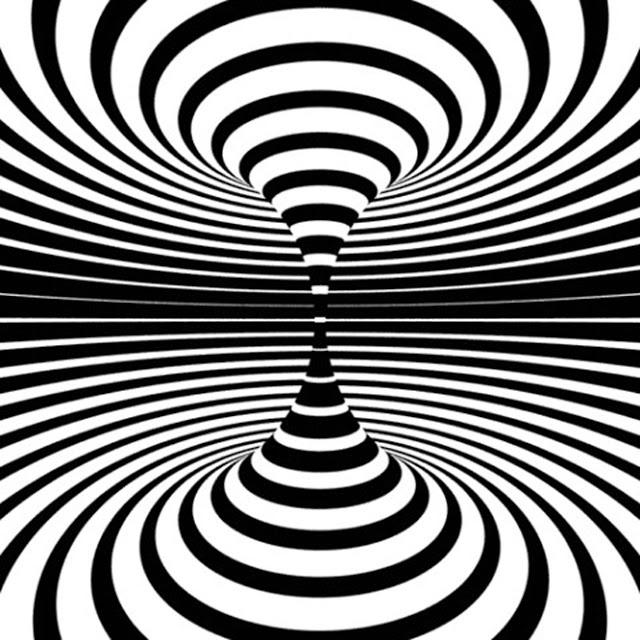 Optische illusie designs   http://optischeillusies.blogspot.nl/2013/02/bijzondere-visueel-bedrog.html