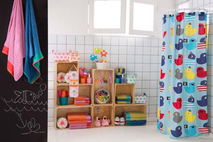 Crea el ambiente perfecto para el baño de tus niños! Es la mejor manera de divertirse y a la vez ayudarlos a crear hábitos. Ven a Casaideas y encuentra un mundo de diseño y entretención!!