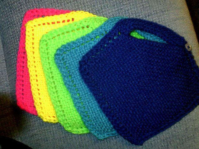 Free Easy Babys Bibs Baaby Pinterest Bibs Knit Patterns And