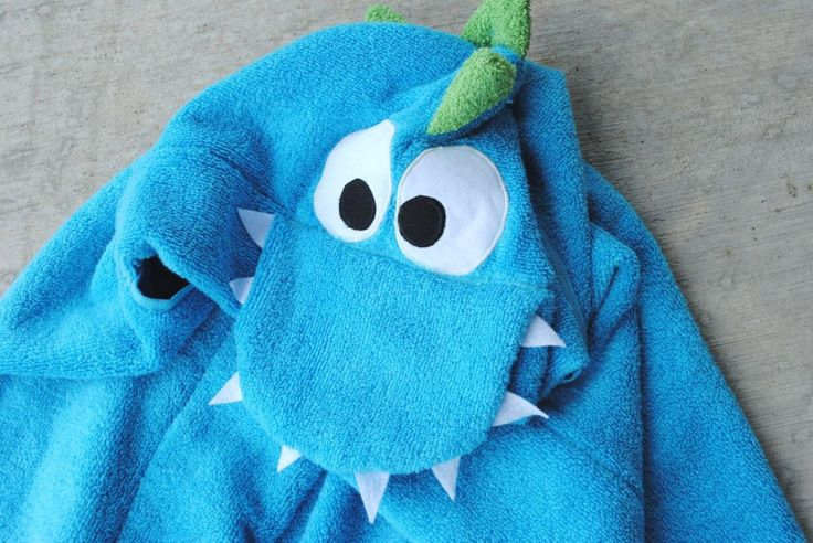 How to sew a dinosaur towel! Detailed how to on website. Pattern pieces for eyes, nose and tongue saved. X