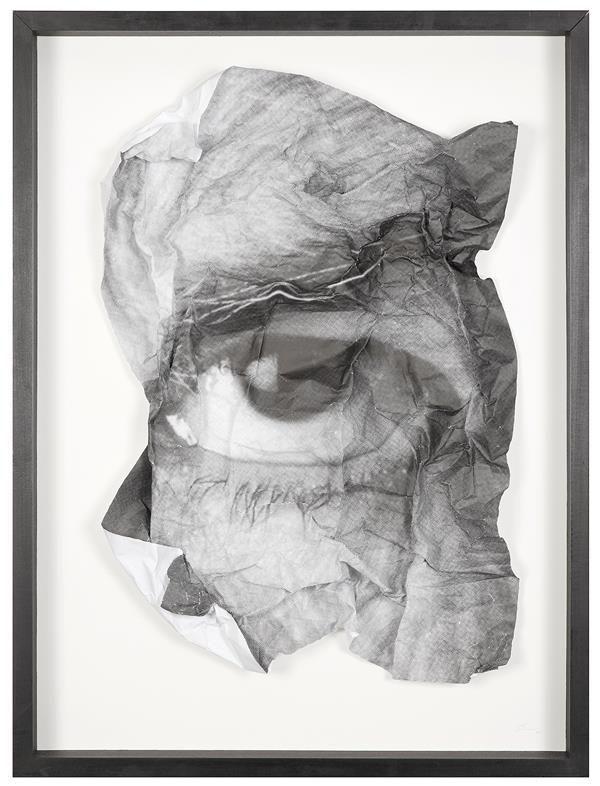 JR (né en 1983) The Wrinkles of the City, Los Angeles, Oeil Froissé 5, 2011 Papier froissé dans un cadre en verre et bois Signé et daté en bas à droite Crumpled paper in a wooden and glass frame Signed and dated lower right 86 x 65 cm - 33 7/8 x 25 5/8 in. Estimation : € 10,000-15,000  Exposition : Paris, Galerie Perrotin, JR, Encrages, 19 novembre 2011-7 janvier 2012