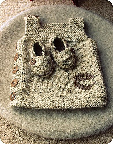 Adorable baby gift.... free knit baby vest pattern on Ravelry is worked up in Vanna's Choice