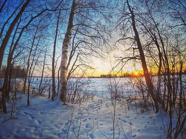 #hypebeast#wonderfulworld #visualambassadors#ig_color#agameoftones #eclectic_shotz #createcommune #artofvisuals#way2ill #wonderful_places #beautifuldestinations #watchthisinstagood #heatercentral#folksouls #nakedplanet#hubs_united #snow#firstsnow#järvenpää#finland#ourfinland#fitness #finnishboy #lovelyfinland