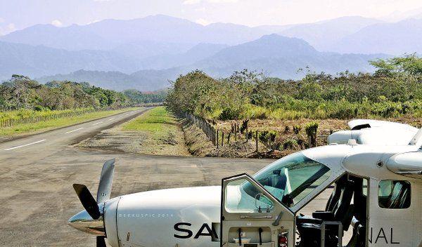 SANSA @Cessna 208 taking a rest at Quepos, Costa Rica - wikimedia