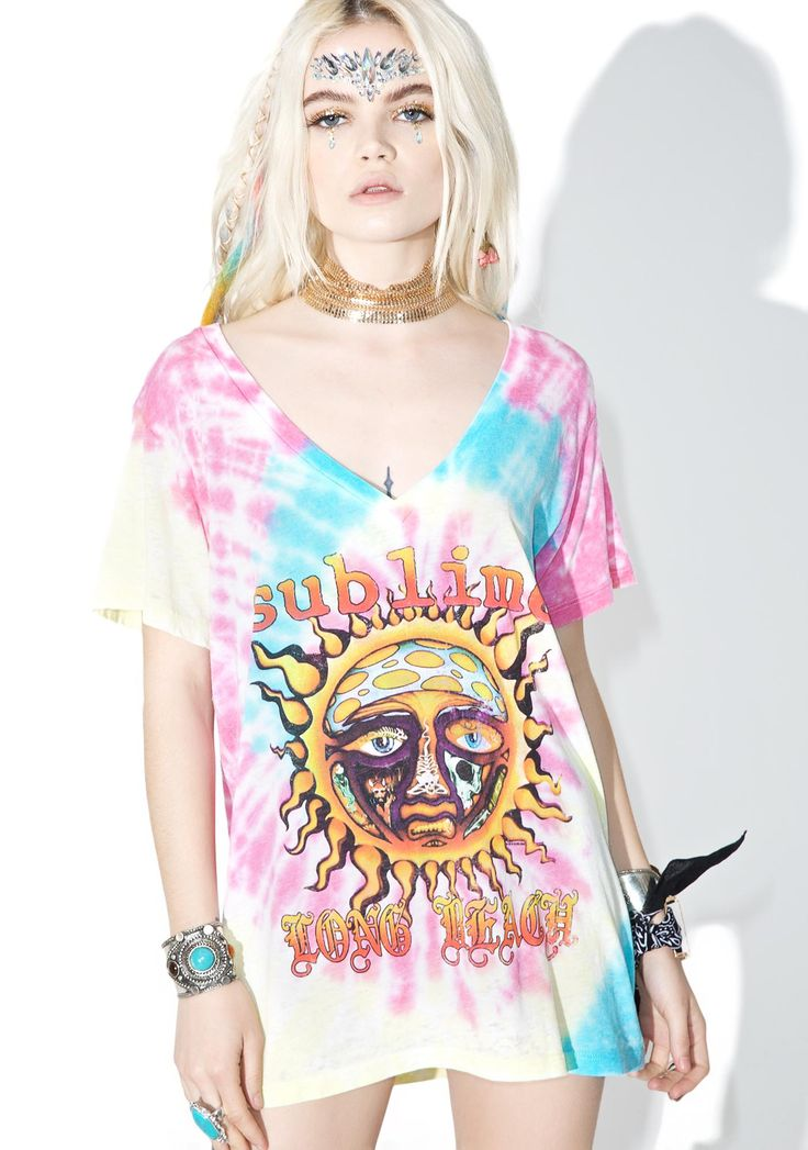 Trunk Ltd. Sublime Tie Dye V-Neck Tee cuz love is what yew got, babe! Show yer Long Beach pride in this sikk tee featuring Sublime's sun logo, v-neck, novelty side-seam stitching and allover rainbow tie dye pattern.