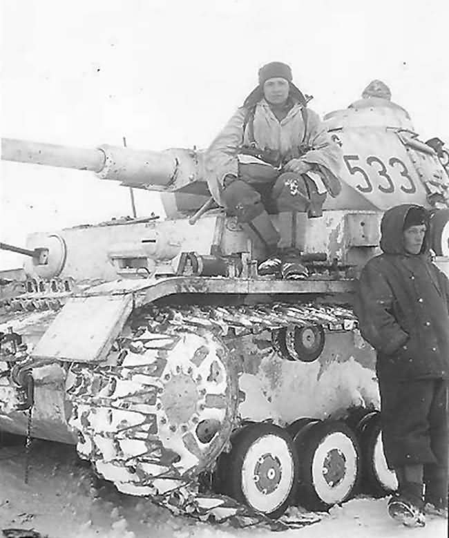 Note the tracks, they have Winterketten or track extensions on them. Started in 1942 for winter conditions to move easier through the snow mostly found on Pzkpfw 3 and 4  and  StugG 3 tanks. Kharkov 1943.