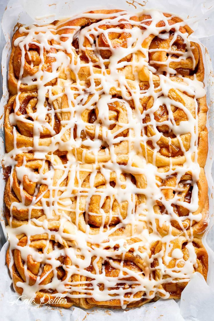 Apple Pie Cinnamon Rolls With Cream Cheese Frosting - Cafe Delites