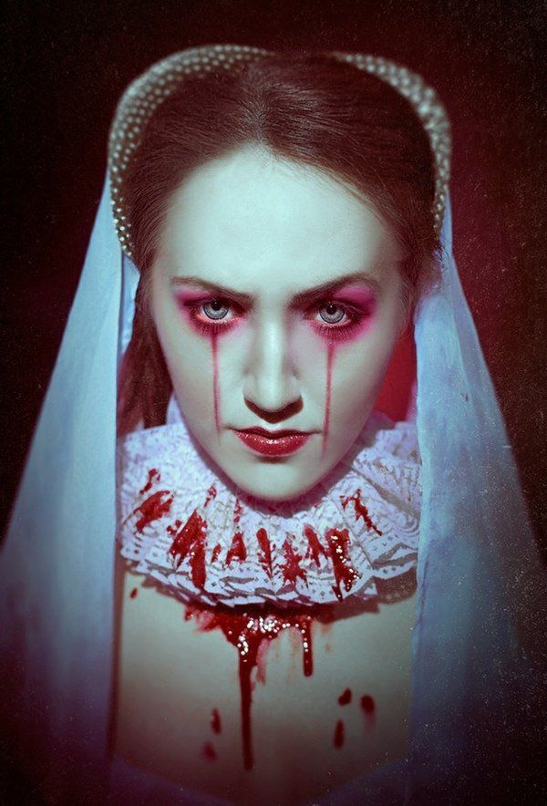 Best scary Halloween makeup ideas bloody Mary costume                                                                                                                                                     More