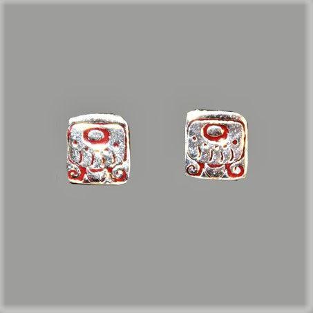 Aretes Maya, mes IMIX 1 cm, en pata 925 y esmalte rojo $ 500 mx Identificador: 127