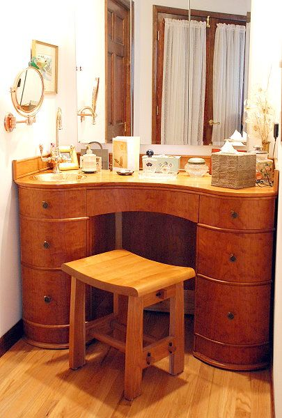 makeup vanity with lots of storage. A very functional makeup table design with lots of storage drawers  sink The is the true indulgence for me 43 best make up tables images on Pinterest Dressing