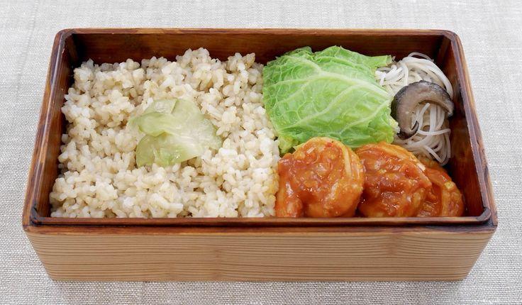 玄米ご飯200g(ザーサイ)、海老チリ、白菜の中華スープ煮、椎茸ビーフン