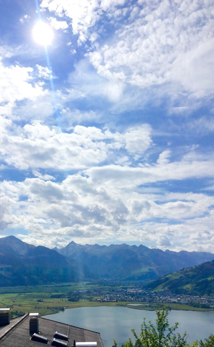 Austria, Zell am See - View of the lake, Kitzsteinhorn(middle, sharp peak) and Hoher Tenn(left)