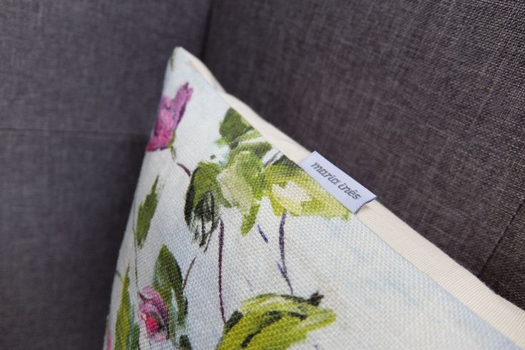 Dos tecidos à confeção, faz-se tudo para que tenha as almofadas que deseja para a sua casa.