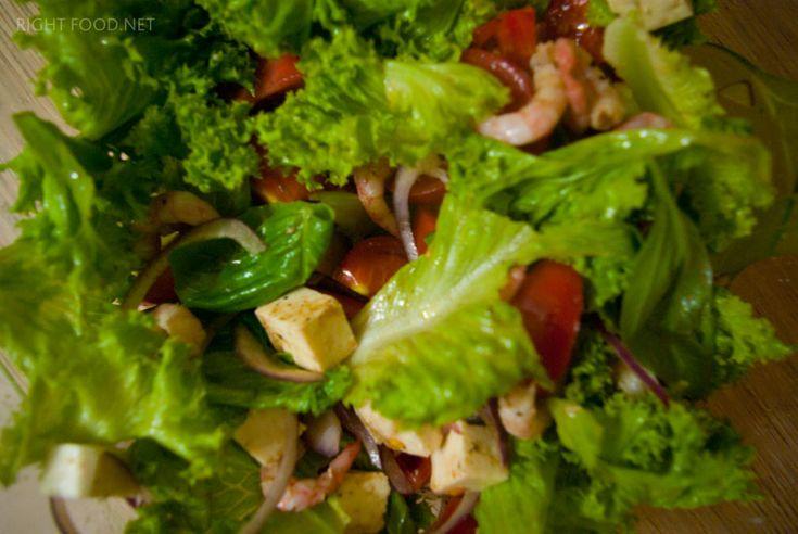 Легкий салат с креветками, помидорами Черри и сыром Моцарелла. Пошаговый рецепт с фото. Кулинарный блог Вики Лепинг