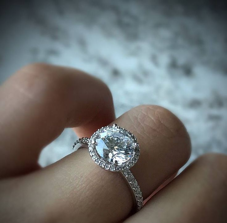 The Best Engagement Rings This Month - Designers & Diamonds