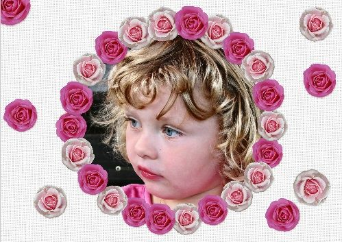 Uitnodiging voor een  kinderfeestje met omlijsting van losse roosjes / invitation to  a birthday party with picture and roses