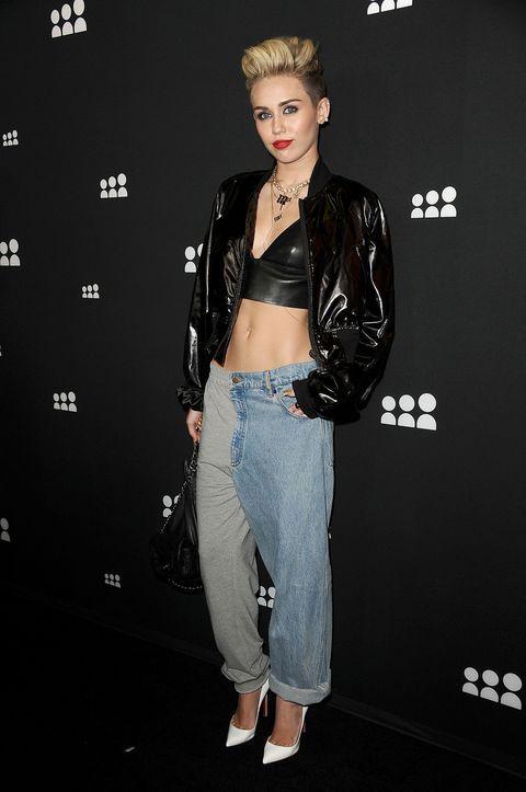 b36a5de143ebea Miley Cyrus Wears