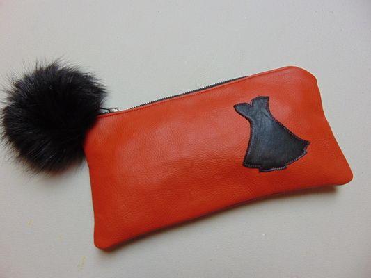 Joli coffre à crayons, maquillage ou autre en cuir et fourrure recyclés - Produits fabriqués au Québec par Josée Lussier