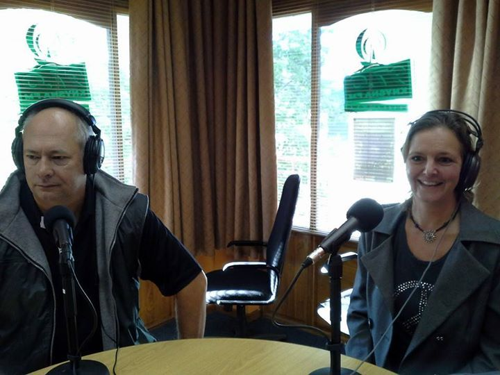 Knysna FM and Garden Route Business Circle hosted Lauren from Naturally Solar on the morning show today.