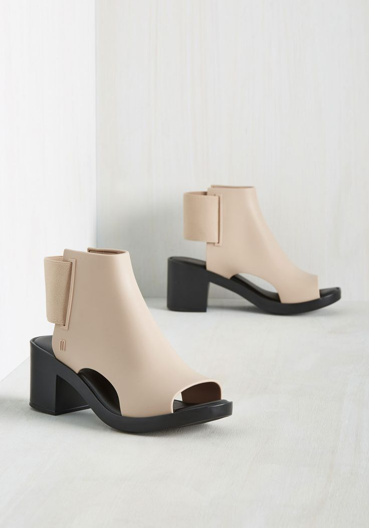 Bait and Switch It Up Heel. Just when you thought these beige and black platforms by Melissa Shoes couldnt get any better, you see theres more to this pair than first meets the eye. #tan #modcloth