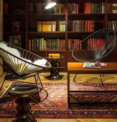 Mid-century design world on the publications side! Your spot to find the most amazing novelties | www.delightfull.eu #delightfull #magazines #publications #lighting #retro #elledecor #lamps #furniture #retro