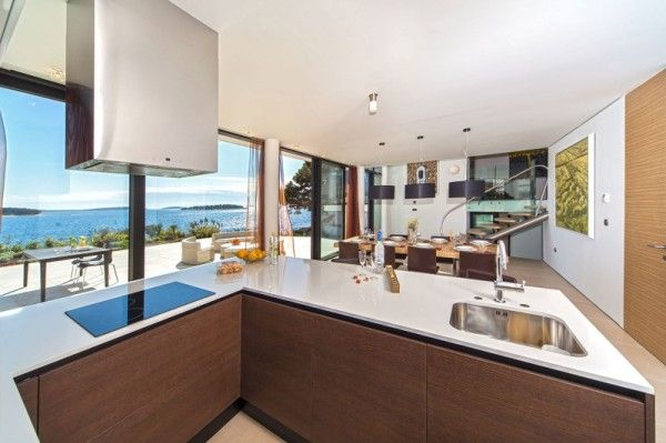Luxury Kitchen from Luxury Resort Design Overlooking the Beauty Beach in Croatian 600x399 Luxury Resort Design Overlooking the Beauty Beach in Croatian