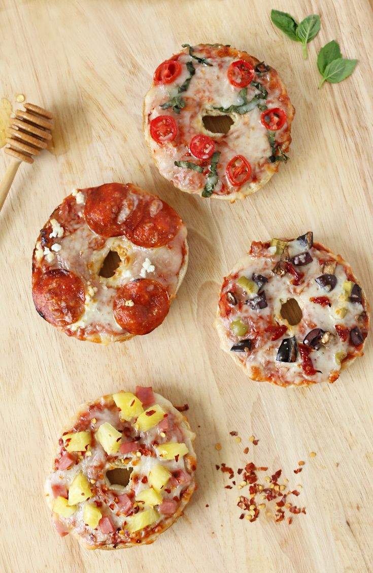 Pizza Bagels 4 Ways: Host a Thomas' Bagels pizza party with all the fixin's. Try the classic combo of basil, garlic and grape tomatoes. Or counter spicy pepperoni with sweet honey and tangy goat cheese. Pair sundried tomatoes with a duo of briny olives. Or dress up ham, pineapple and crushed red pepper for a taste of Hawaii.