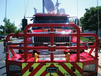 (2) Squad 16 has a 2,000-pound ¾-inch steel plate front bumper assembly that has two receivers for a 10,000-pound (1,000-pound workable load) 120-VAC electric rope rescue Amkus winch. In addition, the front bumper assembly has a 16,500-pound 12-VDC electric steel cable Warn winch and two primary tow hooks rated at 30,000 pounds each.