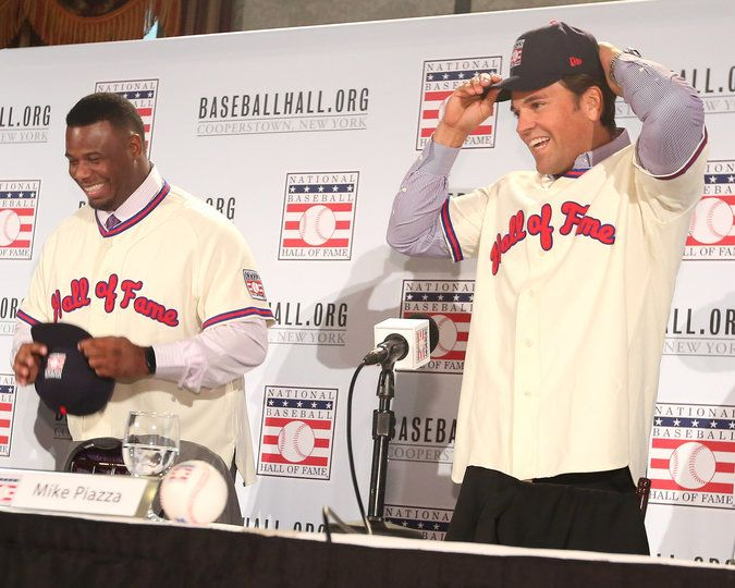 Ken Griffey Jr., left, and Mike Piazza in New York a day after their election to the Hall of Fame