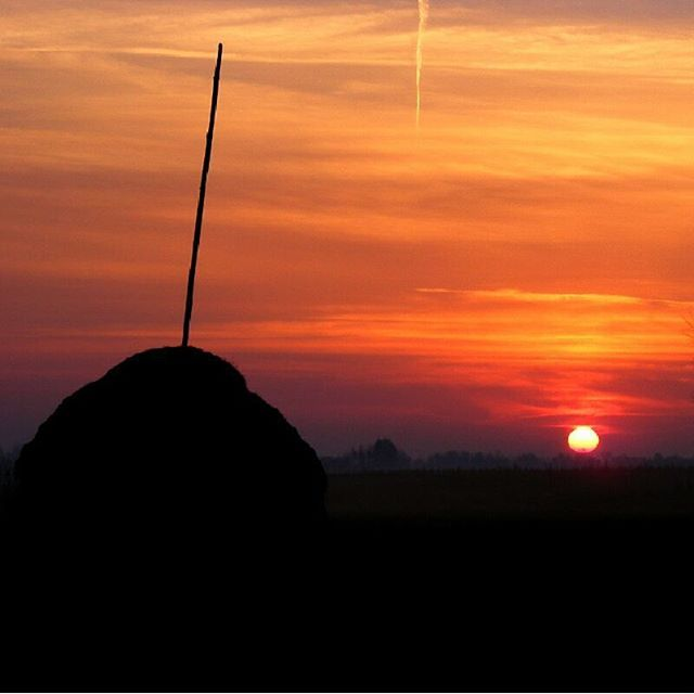 Polesko #polesie #poranek #stóg #krajobraz #poland #landscape #sunrise #nature #history #haystack #lubelskie
