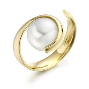 Paul Spurgeon // South Sea pearl wave ring // Contemporary Engagement Rings and Diamond Jewellery