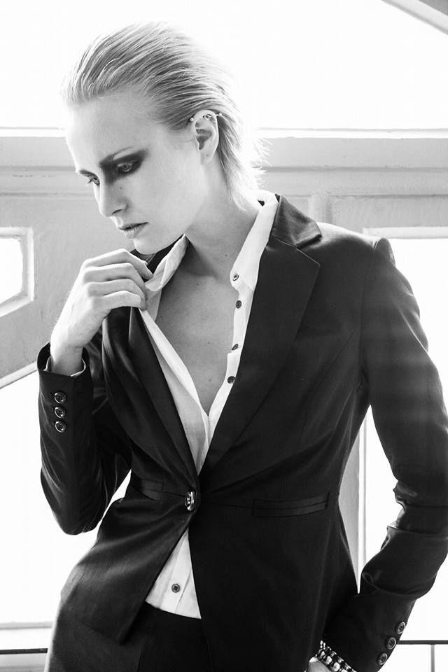 Fotografe:Saskia Bogarde Model:Michelle Elisabeth Mua/Hair:Madhvi Sahti Styling/Concept:Sylvia Harding