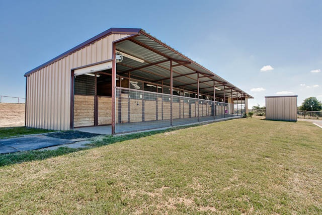 8 stall shed row barn horse stuff pinterest for 8 stall barn plans