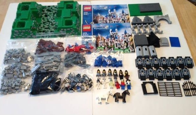 Lego Knight's Kingdom set 10176 no box minifigs instruction manuals