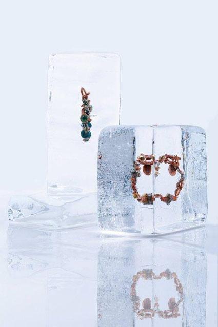 Cold outside, Hot inside. Zimowa sesja biżuterii By dziubeka - Fashionweare.com