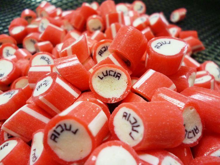 Caramelos artesanal personalizado con el nombre de Lucia. #CaramelosArtesanalesPersonalizados