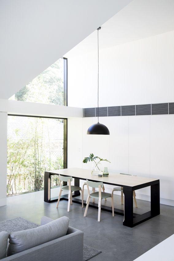 Nằm tại thành phố Sydney (Úc), một ngôi nhà ống có mặt tiền lạ mắt và thiết kế mở vừa xuất hiện nổi bật trên tờ tạp chí kiến trúc Mỹ Archdaily.