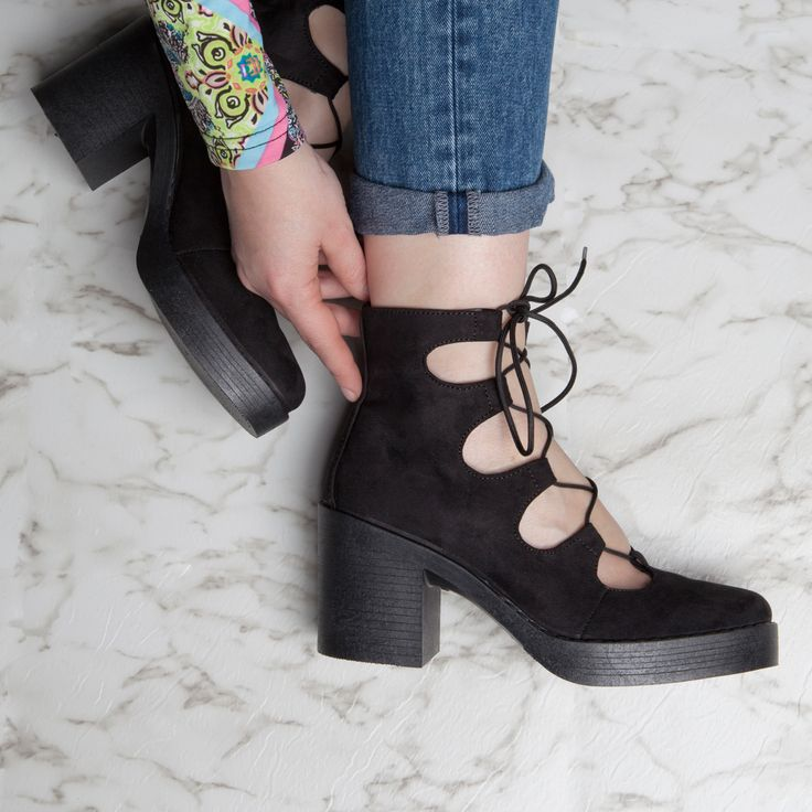 DO prints. DO denim. DO lace up heels <3