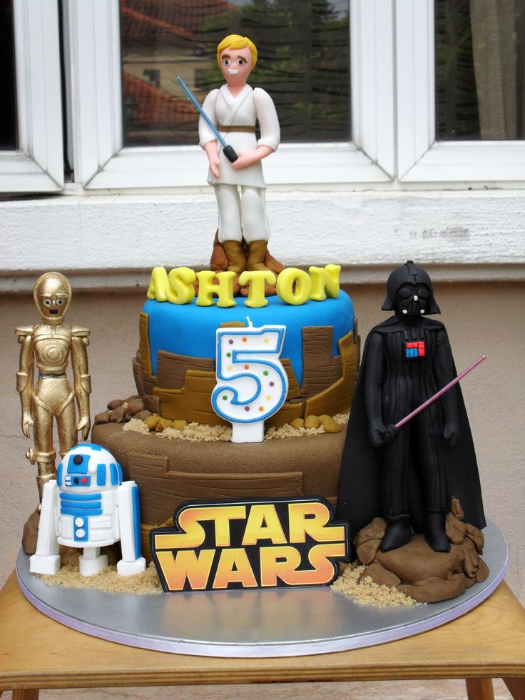 Cute Star Wars cake
